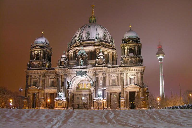 Берлинский кафедральный собор зимой